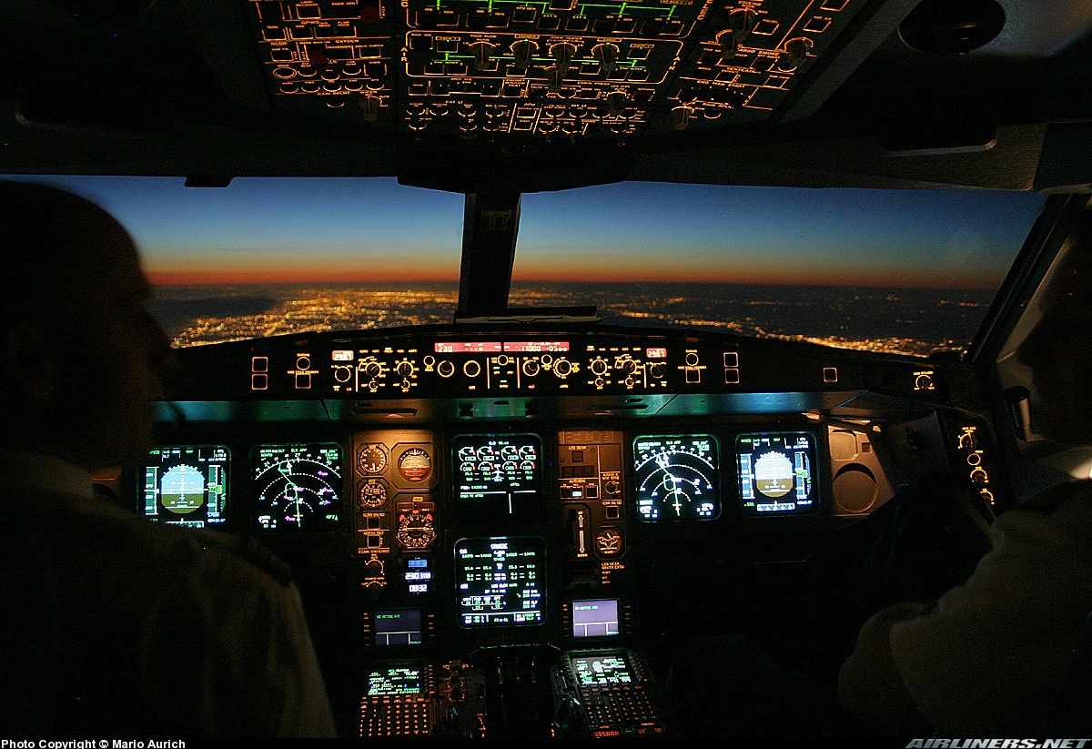Jet Airlines: Airbus A340 cockpit
