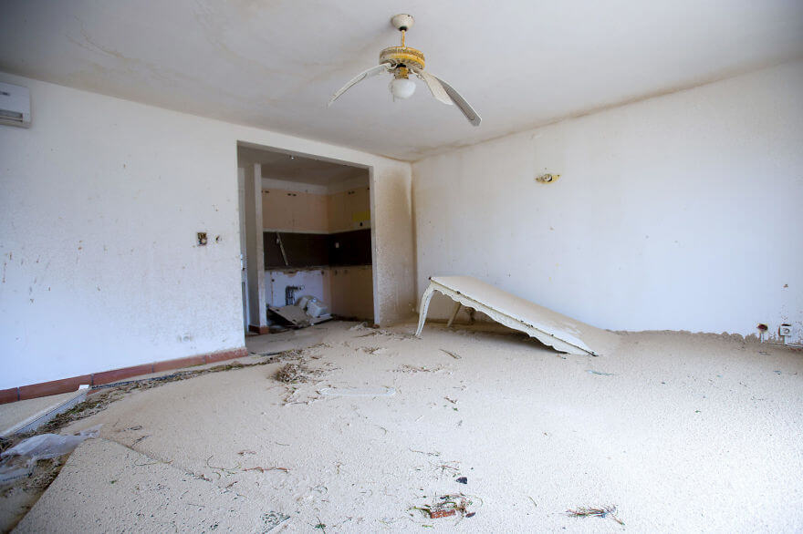 30 Shocking Pictures That Show How Catastrophic Hurricane Irma Is - The Interior Of A Home In Marigot, Saint Martin, Is Left Filled With Sand Following The Passage Of Hurricane Irma
