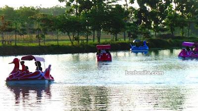 wahana air bebek kayuh danau gua pancur jimbaran kayen pati