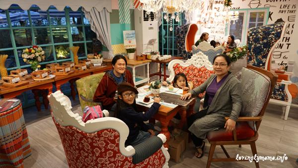 Baguio City - Kamiseta Hotel - Vanilla Cafe - cupcakes - family travel - Bacolod mommy blogger