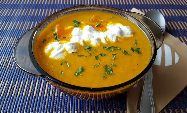 Zupa krem marchewkowy.