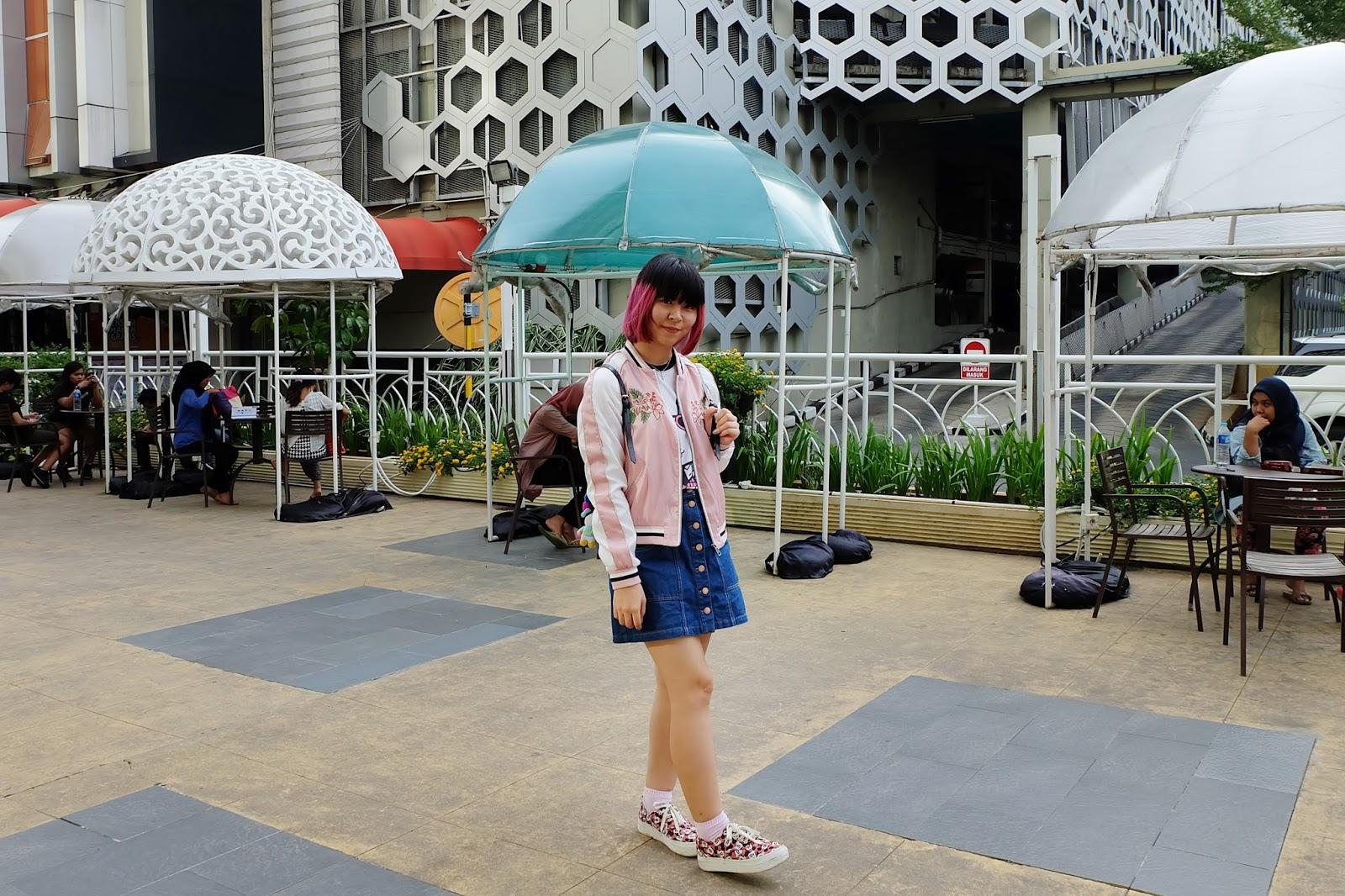 pink sukajan OOTD spot | www.bigdreamerblog.com