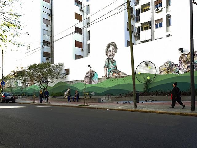 """Vista de la plazoleta """"del árbol"""" en Buenos Aires"""
