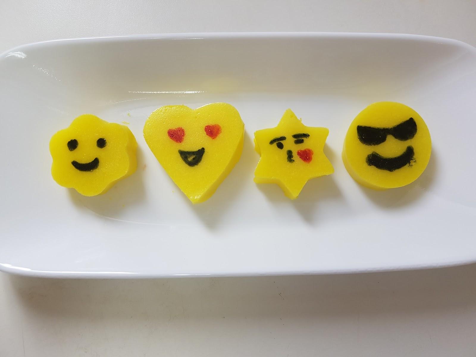 Jell O Emojis Emoji Gummies Aaichi Savali