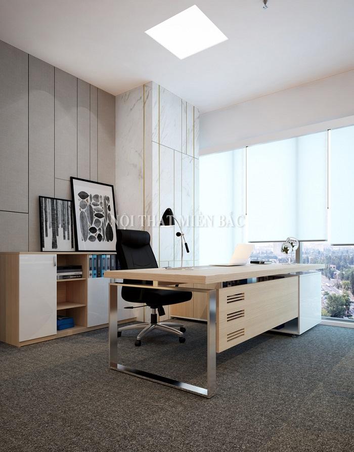 Về màu sắc, bàn giám đốc hiện đại hướng đến những tone màu sang trọng nhưng không kém phần hiện đại như màu vân gỗ trầm, màu vân gỗ sáng