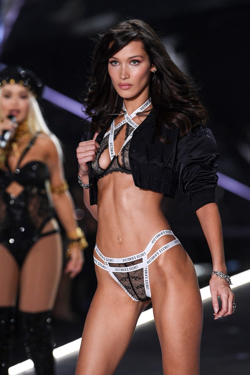 1cf3119b9fe9 Bella Hadid oozes sex appeal for the 2018 Victoria's Secret Fashion Show