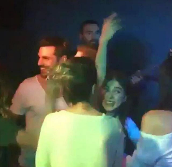 Kok Askim : ginalania Cara Serkan Cayoglu Mencintai Ozge Gurel (Serkan ve Ozge