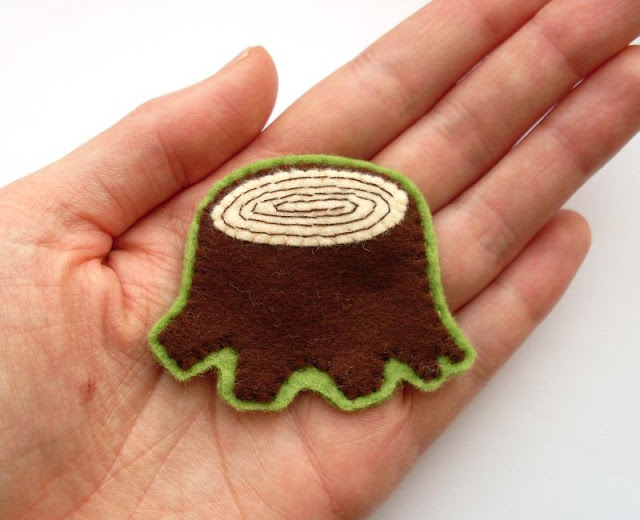 Subscriber Exclusive: Felt Tree Stump Brooch Tutorial