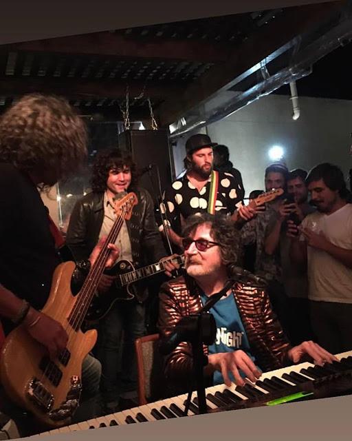 Charly García sigue apareciendo de sorpresa para tocar en Punta del Este