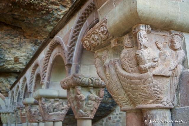 Monasterio de San Juan de la Peña, varios capiteles del Claustro, por El Guisante Verde Project