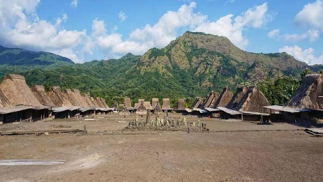 kampung adat gurusina