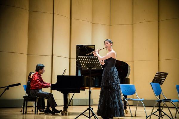 26歲正妹長笛家歐珈妏 義大利Città Murata大賽奪冠 , 自正心國中畢業, 進法國巴黎師範音樂院