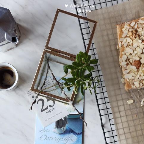 Mazurek gryczany z orzechami i karmelem
