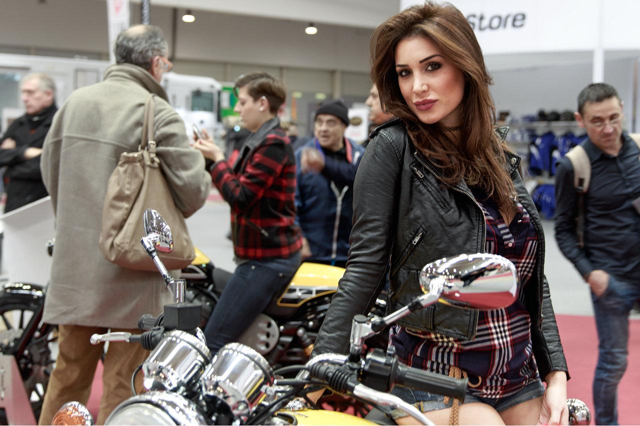Real Riders Beautiful Italian Girls From Motodays 2016-9418