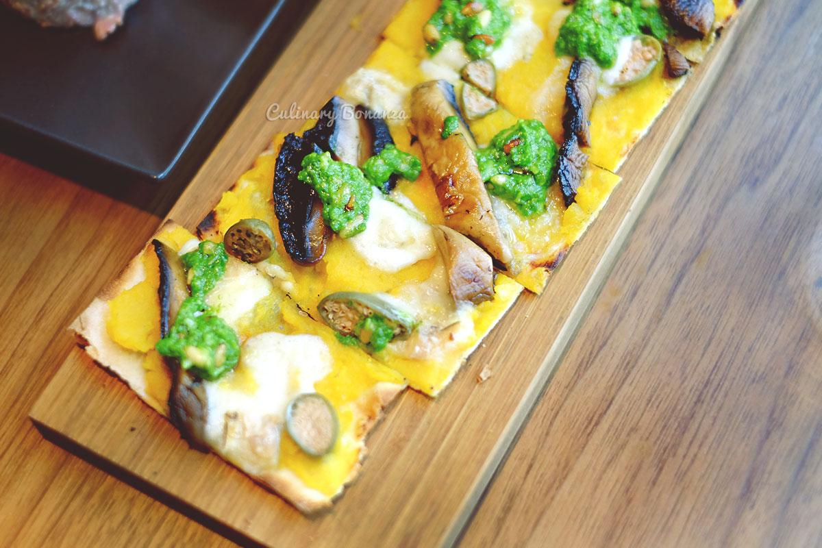 Flatbread with butternut squash, Taleggio cheese, mushrooms, pine nuts, basil pesto at Bread Street Kitchen by Gordon Ramsay (www.culinarybonanza.com)