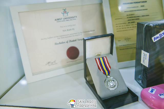 Some awards that Dr. Melvin Sia received during his dental practicing period for 5 years