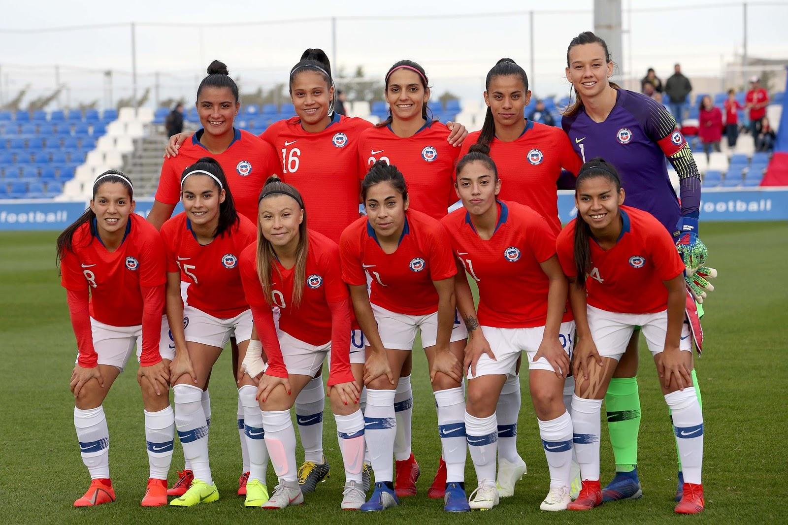 Formación de selección femenina de Chile ante Escocia, amistoso disputado el 5 de abril de 2019