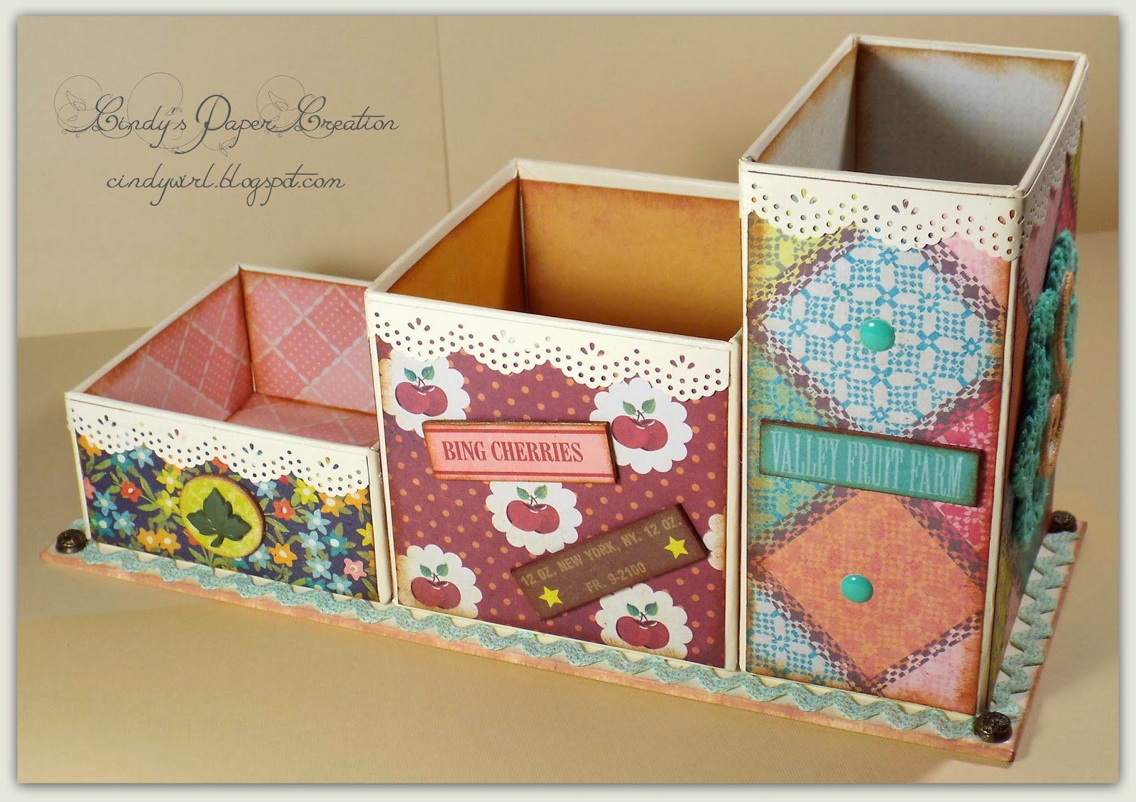 Cindy's Craft Table Organizer by cindywirl.blogspot.com