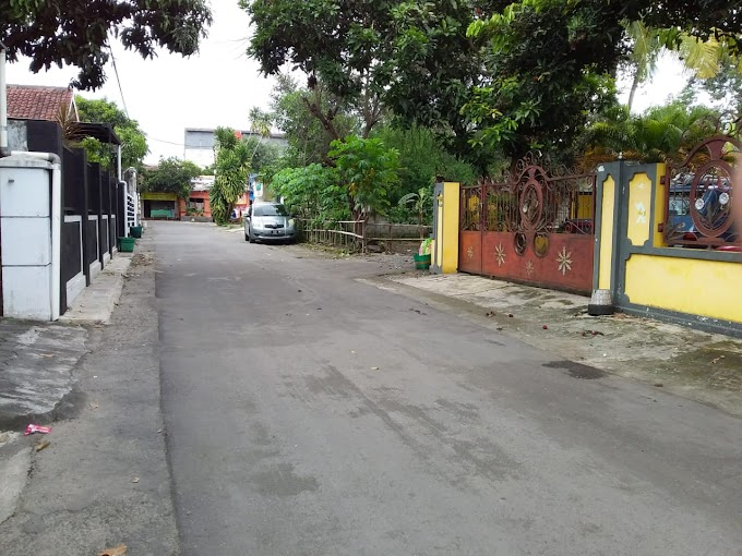 Tanah pinggir jalan aspal Lingkungan Exclusive SEDAN PALAGAN km 6 selatan Hotel HYATT