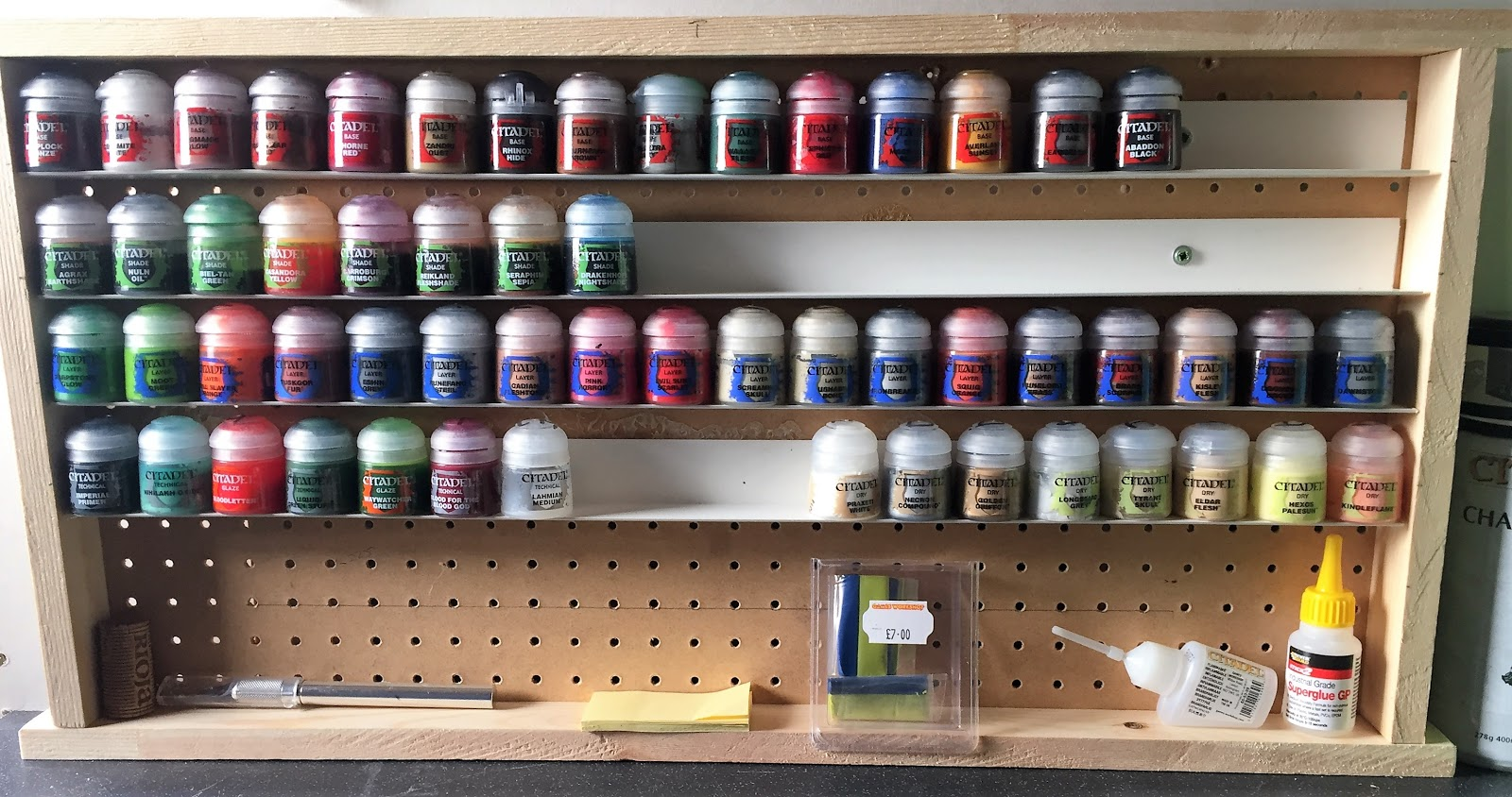 Building an Inexpensive Citadel Paint Rack - In The Paint ...