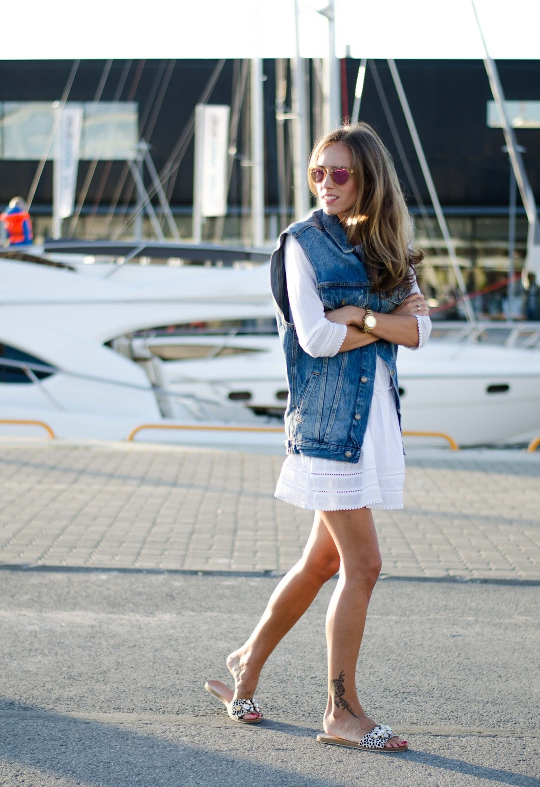 oversized denim vest streetstyle