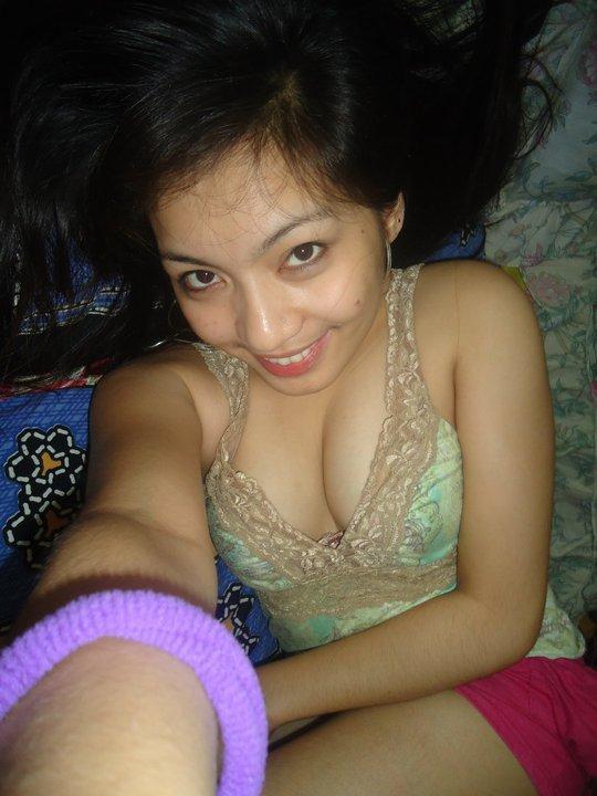 girls-adult-boob-pictures-nylons-bondage-hanging