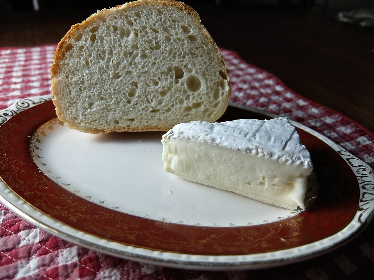 Brie and French Bread