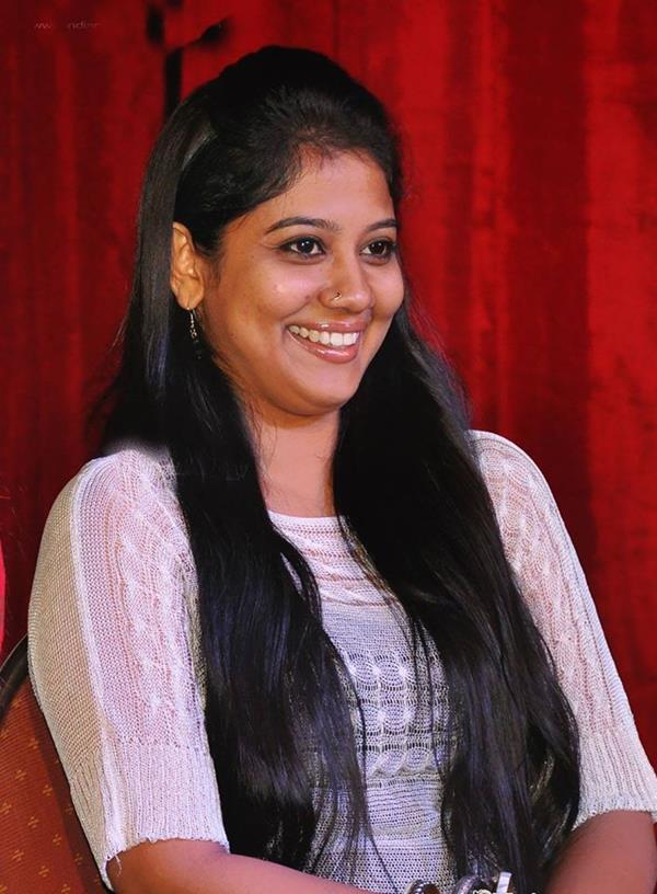 Sadha Exclusive PhotoShoot | Tamil Celebrity Sadha PhotoShoot