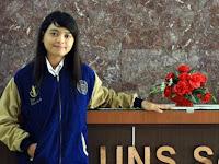 Devi Triasari, Gadis Cantik Penjual Pulsa Menjadi Lulusan Terbaik UNS Dengan Predikat IPK Cumlaude