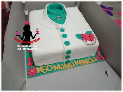 Kue Tart Ulang tahun bentuk baju