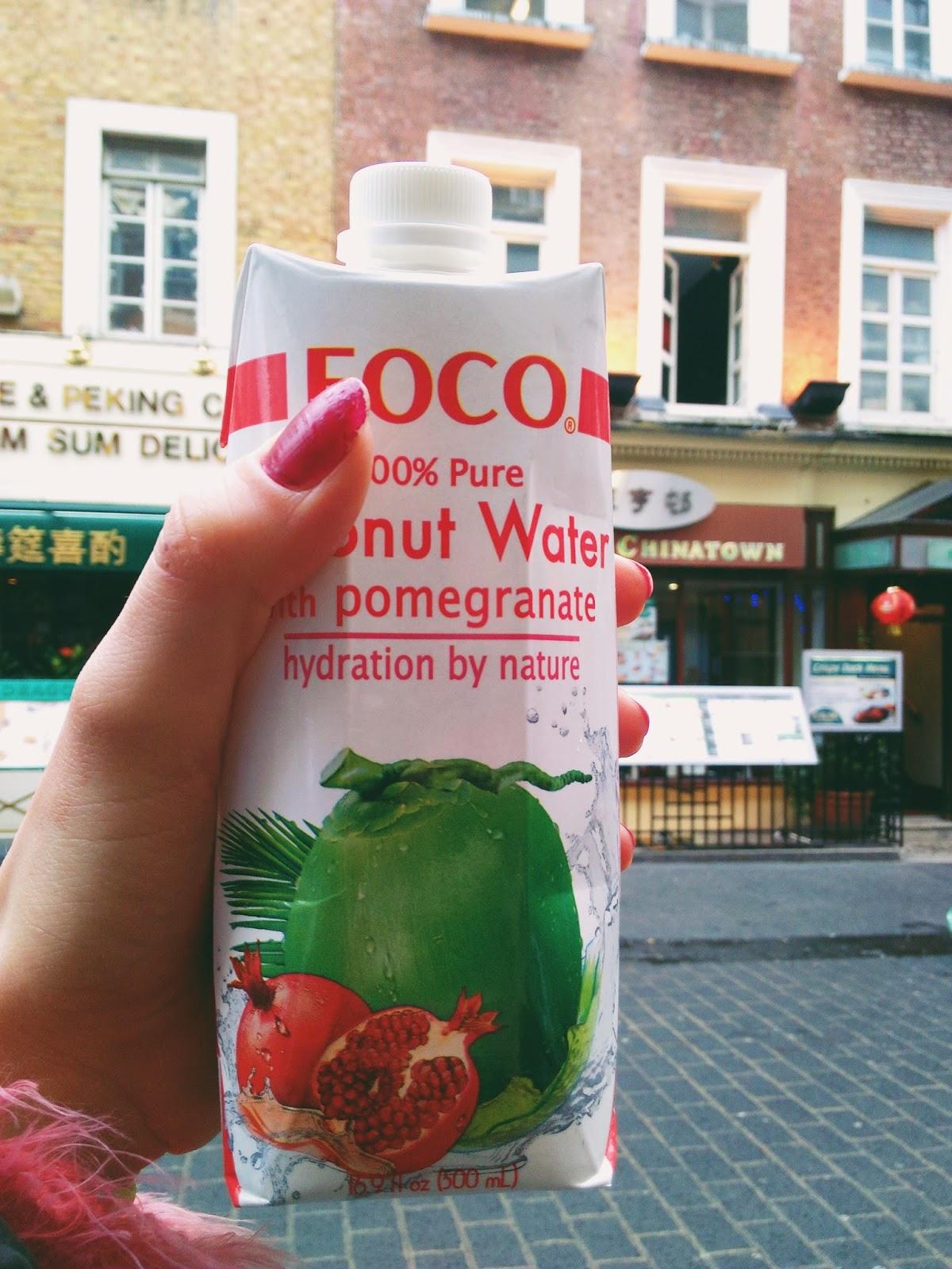 Kokosová voda s granátovým jablkem