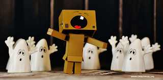 Danbo funny cry run away from ghosts