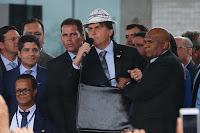 'Eu amo o Nordeste', diz Bolsonaro em visita à Bahia após polêmica sobre governadores da região