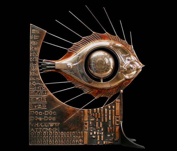 Escultura steampunk de pez