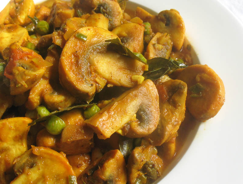 Spicy Mushroom Green Pea Curry Lisa S Kitchen