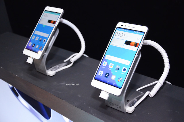 Honor 7 on display during the launch