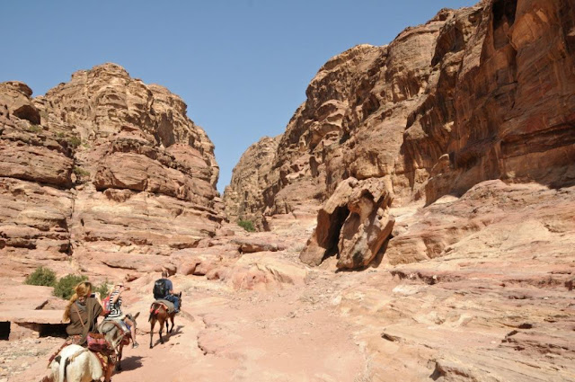 petra jordanië, historische site petra, edom,nabateeërs, the treasury