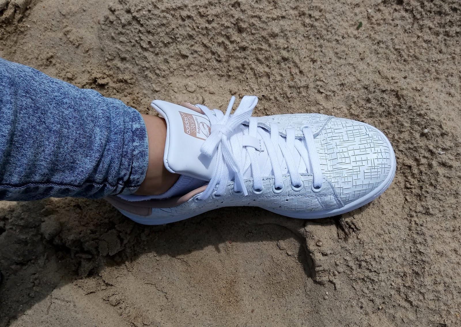 Jakie buty warto mieć w swojej garderobie? – Adidas buty