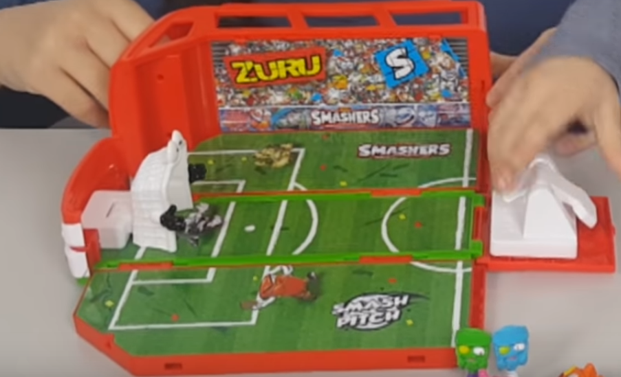 Madhouse Family Reviews: Smashers by Zuru collectible review
