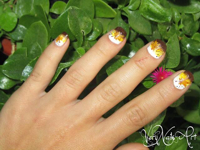 Decoración de uñas con hojas