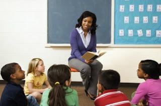 guru mengajar anak