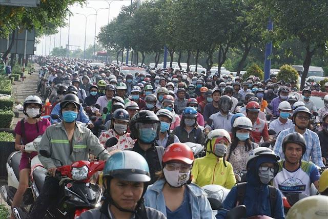 Đường Mai Chí Thọ bị kẹt xe nghiêm trọng