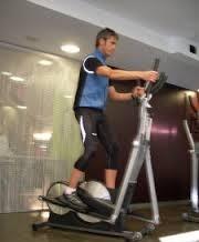 ¿Qué ejercicios ayudan en la recuperación de una fractura pélvica?