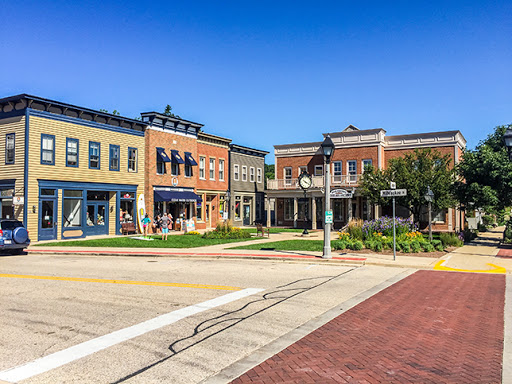 Downtown Delafield WI along the Lake Country Recreational Trail