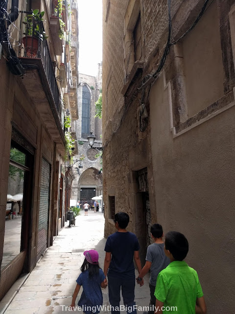 Visiting Barcelona, Spain with a big family with small children