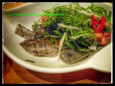 Fish skins, Trusty Congee King, Wan Chai, Hong Kong