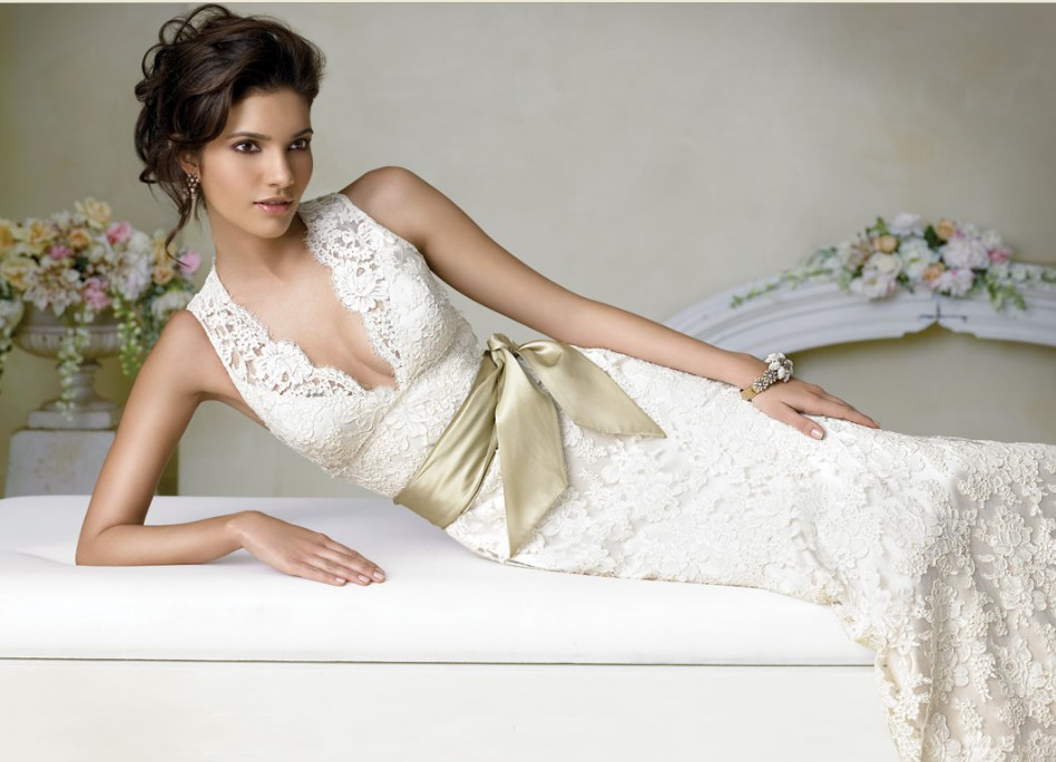 Classic Wedding Gown Designs: Wholesale Wedding Dresses & Cocktail Dress: Lace Wedding