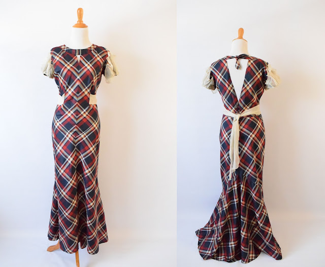 front and back of 30's dress
