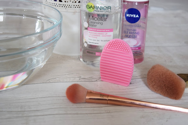 What Cat Says - Beauty   eBay Dupe - Make Up Brush Cleaner