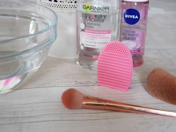 Beauty | eBay Dupe - Make Up Brush Cleaner